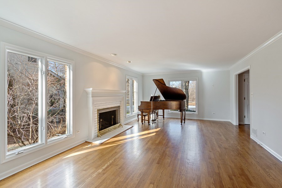 Real Estate Photography - 1291 Estate Ln, Lake Forest, IL, 60045 - Living Room