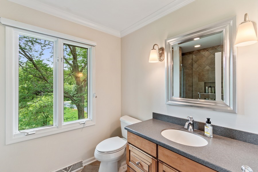 Real Estate Photography - 1291 Estate Ln, Lake Forest, IL, 60045 - 3rd Bathroom