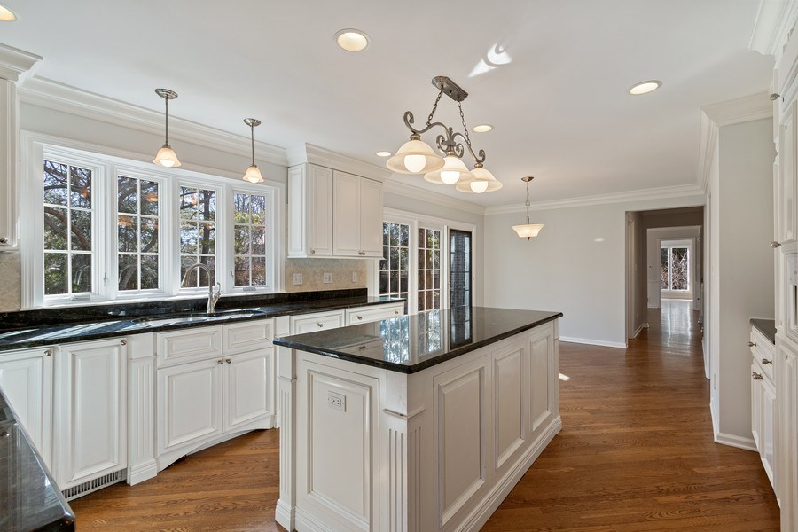 Real Estate Photography - 1291 Estate Ln, Lake Forest, IL, 60045 - Kitchen / Breakfast Room