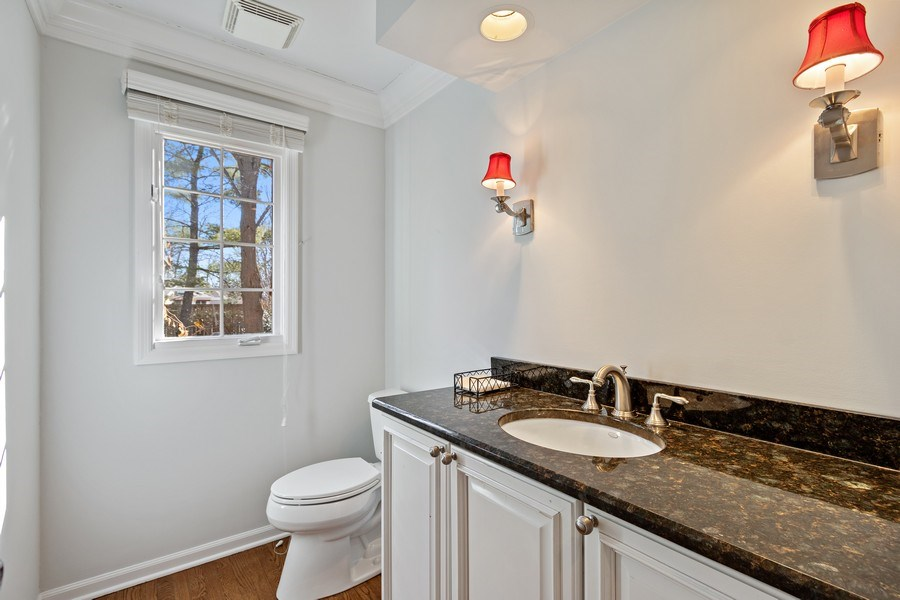 Real Estate Photography - 1291 Estate Ln, Lake Forest, IL, 60045 - Powder Room