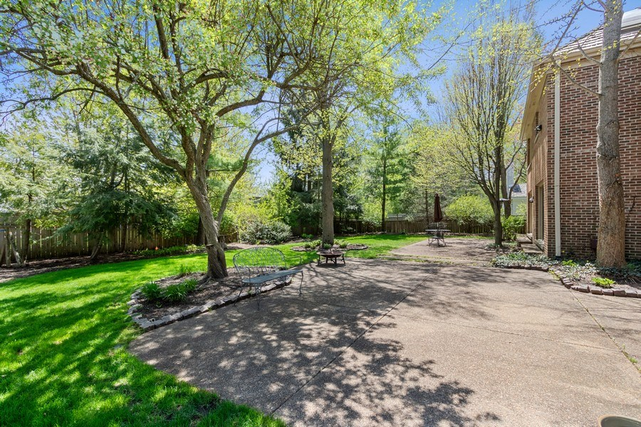 Real Estate Photography - 1291 Estate Ln, Lake Forest, IL, 60045 - Back Yard