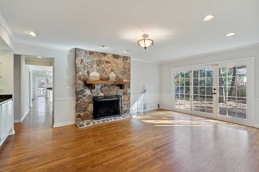 Real Estate Photography - 1291 Estate Ln, Lake Forest, IL, 60045 - Family Room