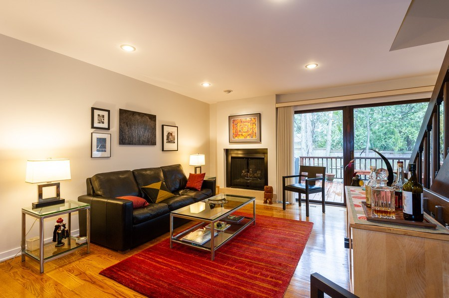Real Estate Photography - 1561 Winnetka Rd, Glenview, IL, 60025 - Living Room