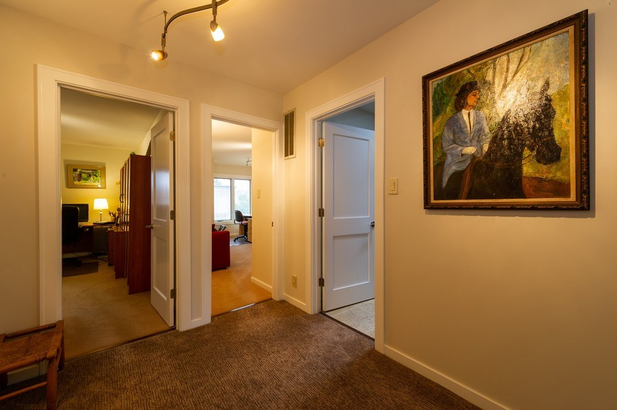 Real Estate Photography - 1561 Winnetka Rd, Glenview, IL, 60025 - 2nd Floor Corridor