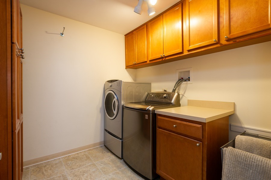 Real Estate Photography - 1561 Winnetka Rd, Glenview, IL, 60025 - Laundry Room