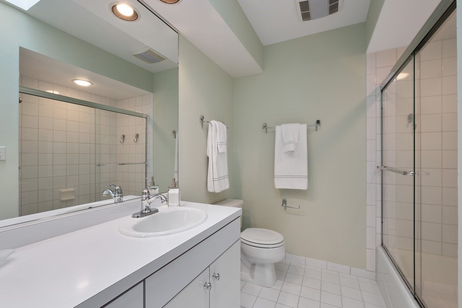 Real Estate Photography - 3605 Pebble Beach, Northbrook, IL, 60062 - Ensuite Bathroom