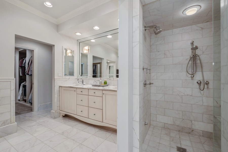Real Estate Photography - 3605 Pebble Beach, Northbrook, IL, 60062 - Spa-like Master Bathroom