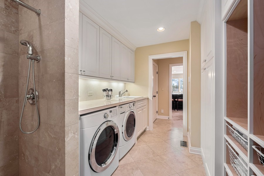 Real Estate Photography - 3605 Pebble Beach, Northbrook, IL, 60062 - Laundry