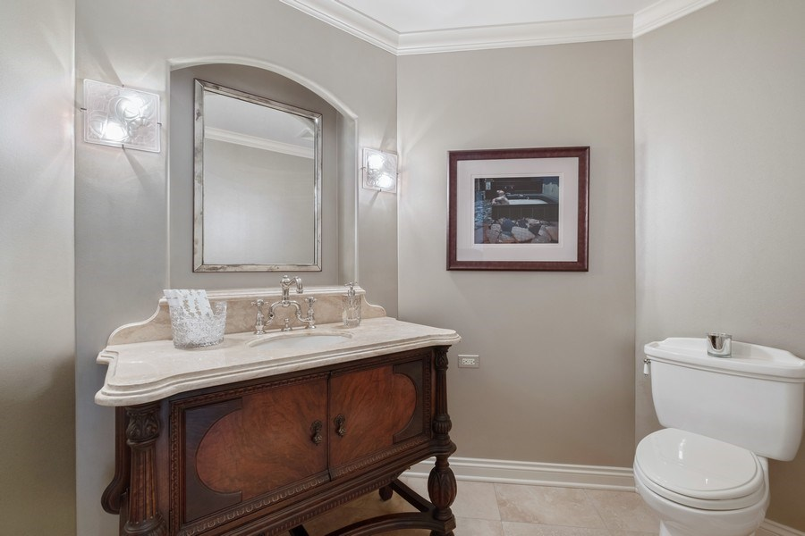 Real Estate Photography - 3605 Pebble Beach, Northbrook, IL, 60062 - Powder Room