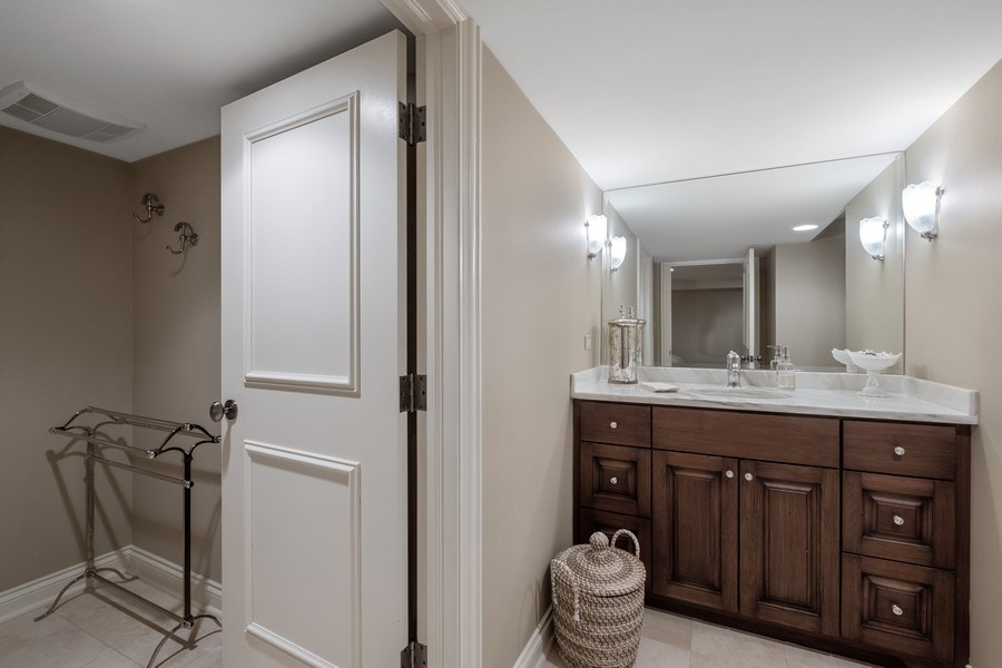 Real Estate Photography - 3605 Pebble Beach, Northbrook, IL, 60062 - Lower Level Full Bathroom