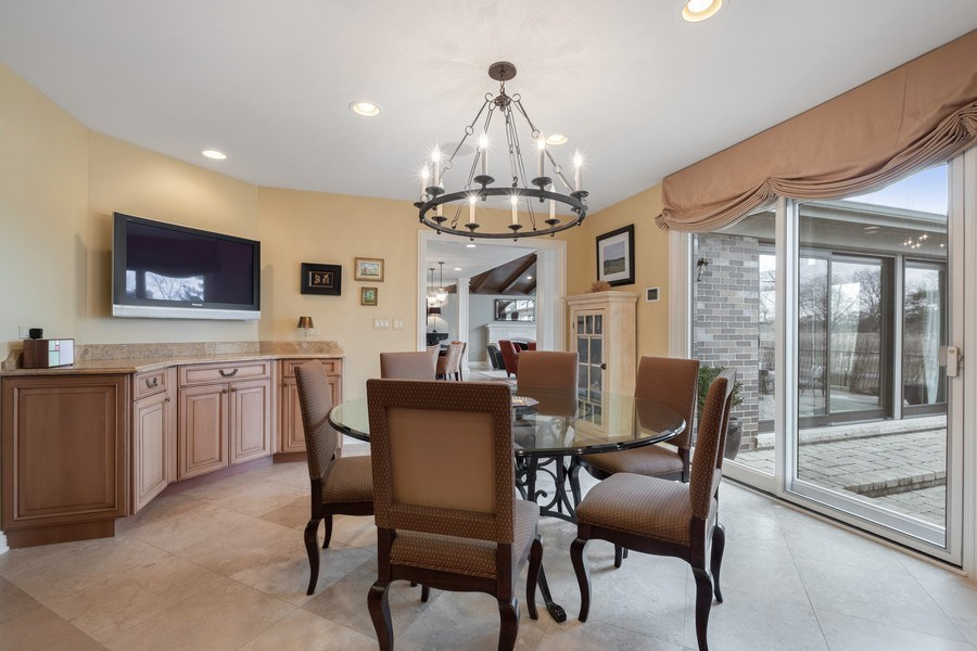 Real Estate Photography - 3605 Pebble Beach, Northbrook, IL, 60062 - Breakfast Area