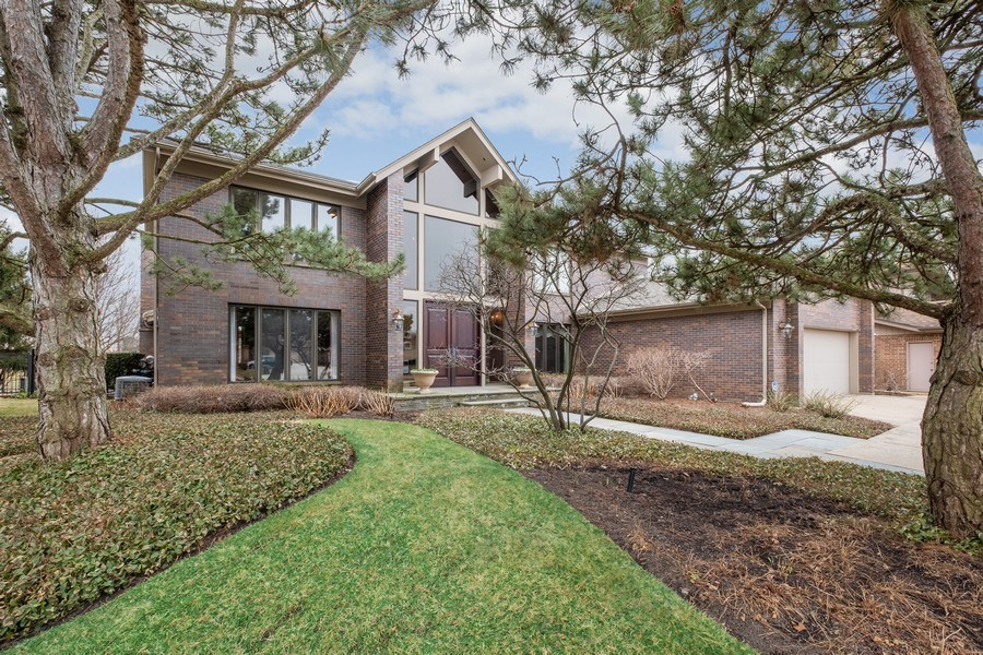 Real Estate Photography - 3605 Pebble Beach, Northbrook, IL, 60062 - Front View