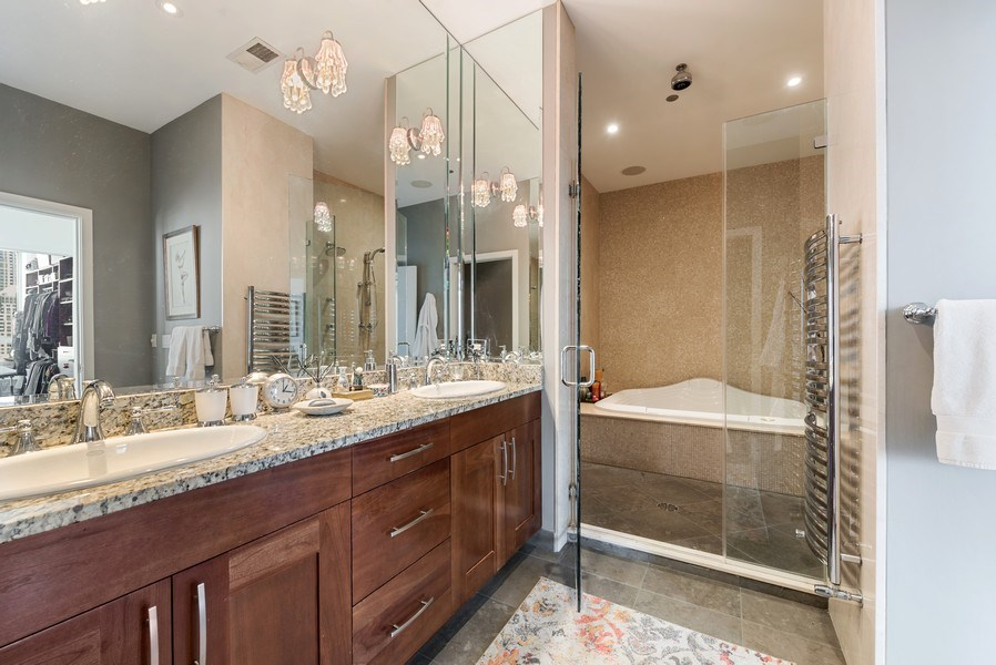 Real Estate Photography - 701 S Wells St, Chicago, IL, 60607 - Master Bathroom