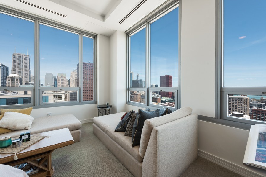 Real Estate Photography - 701 S Wells St, Chicago, IL, 60607 - Master Bedroom