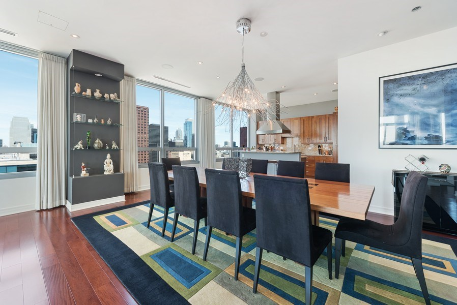 Real Estate Photography - 701 S Wells St, Chicago, IL, 60607 - Dining Room
