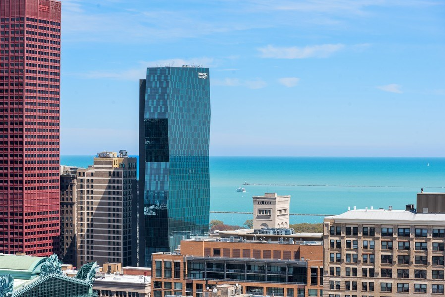 Real Estate Photography - 701 S Wells St, Chicago, IL, 60607 -