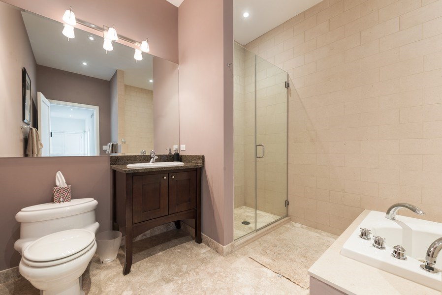 Real Estate Photography - 701 S Wells St, Chicago, IL, 60607 - 2nd Bathroom