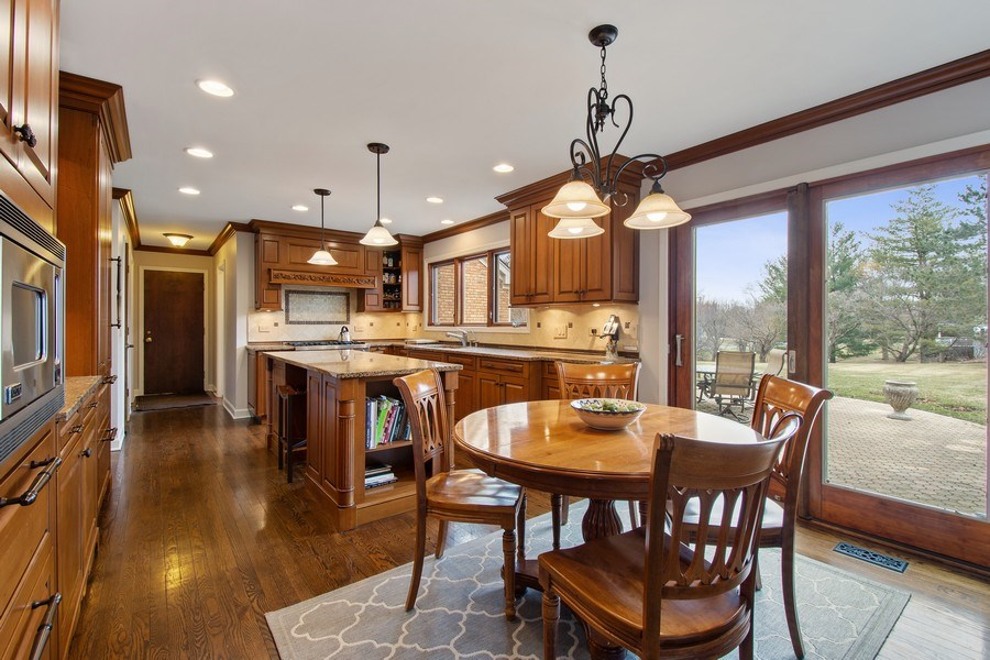 Real Estate Photography - 20627 N Meadow Ln, Deer Park, IL, 60010 - Kitchen / Breakfast Room