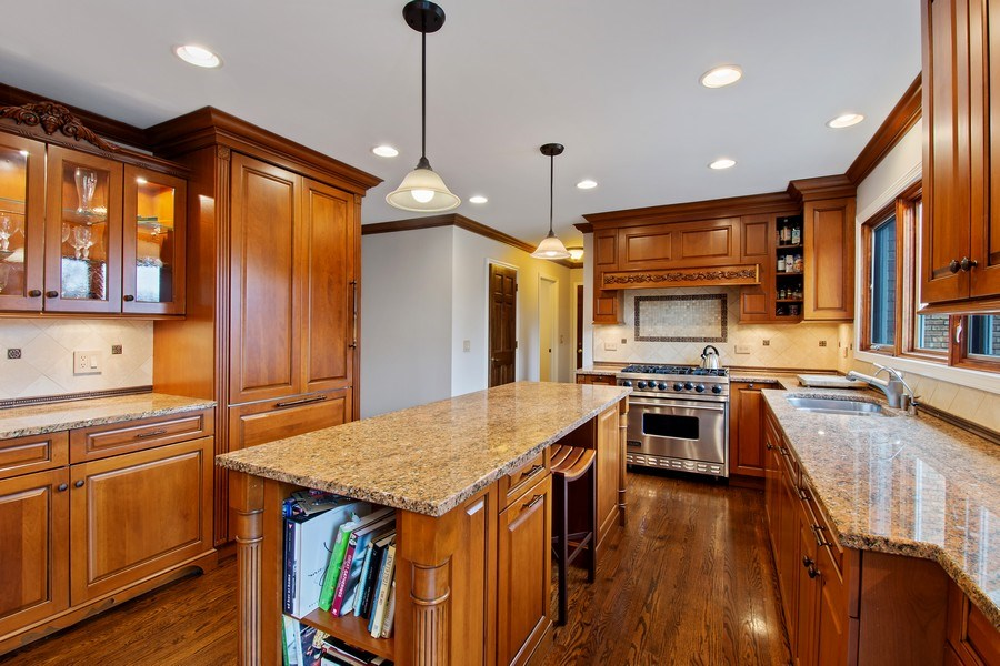 Real Estate Photography - 20627 N Meadow Ln, Deer Park, IL, 60010 - Kitchen