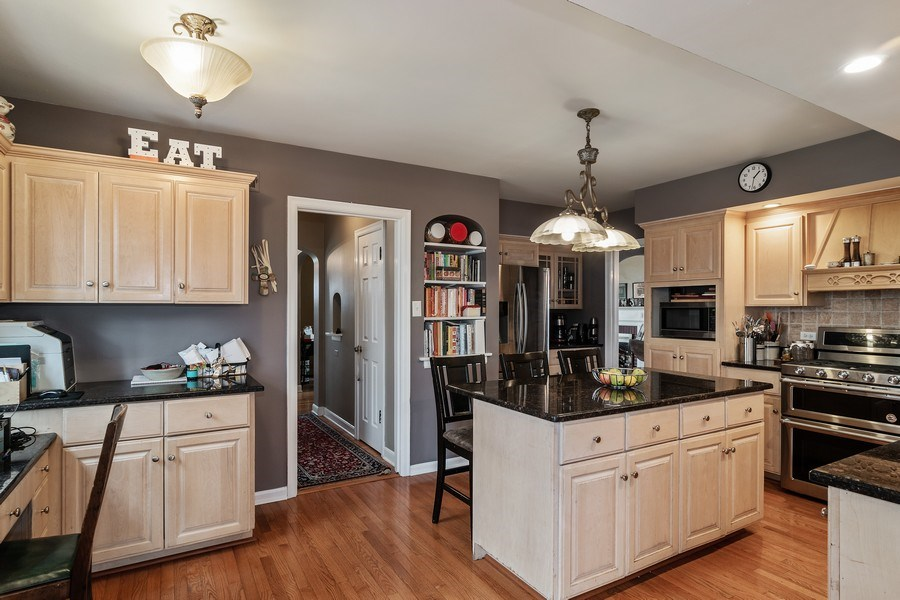Real Estate Photography - 316 Nuttall Rd, Riverside, IL, 60546 - Kitchen