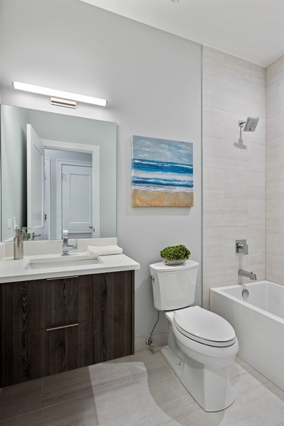 Real Estate Photography - 2302 North Hoyne Avenue, 2, Chicago, IL, 60647 - Bathroom