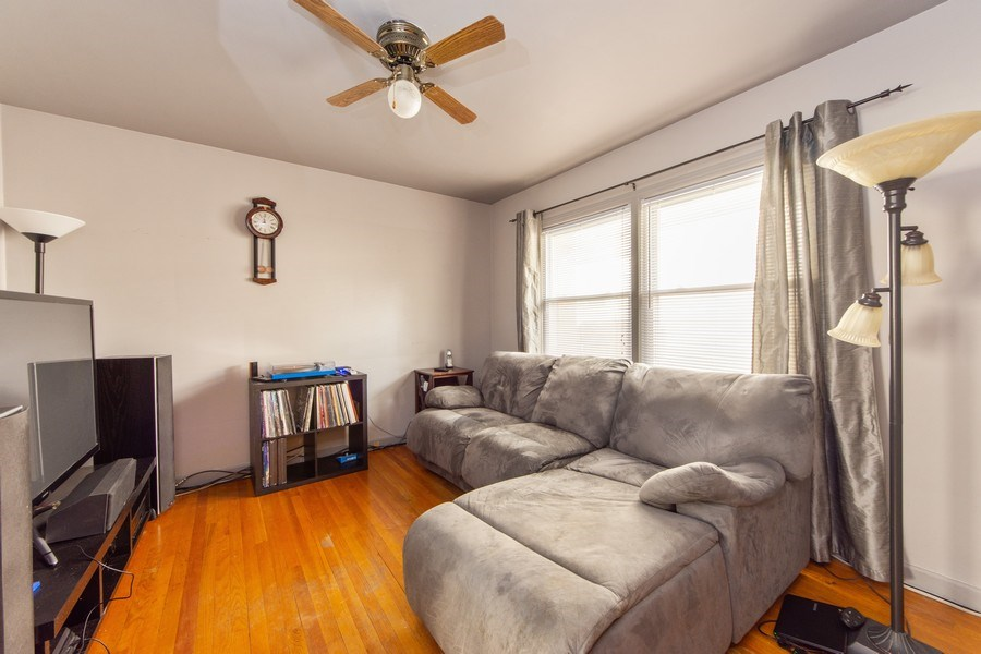 Real Estate Photography - 818 S Knight Ave, Park Ridge, IL, 60068 - 3rd Bedroom