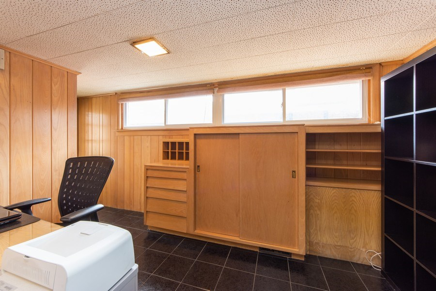 Real Estate Photography - 818 S Knight Ave, Park Ridge, IL, 60068 - Office