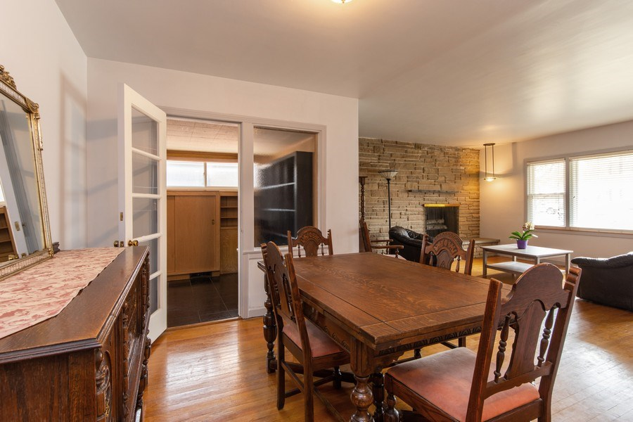 Real Estate Photography - 818 S Knight Ave, Park Ridge, IL, 60068 - Living Room/Dining Room