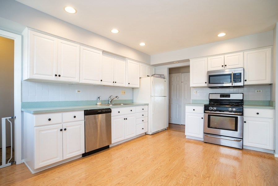 Real Estate Photography - 504 W. Brittany Drive, Arlington Heights, IL, 60004 - Kitchen | Stainless Steel Appliances