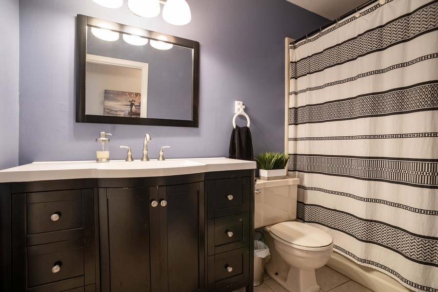 Real Estate Photography - 504 W. Brittany Drive, Arlington Heights, IL, 60004 - 2nd Full Bathroom