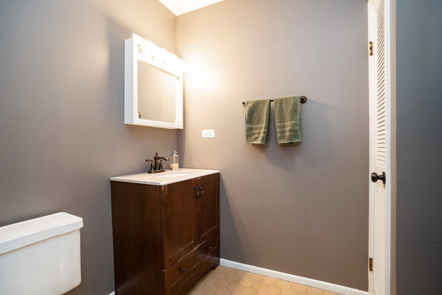 Real Estate Photography - 504 W. Brittany Drive, Arlington Heights, IL, 60004 - Master Bathroom