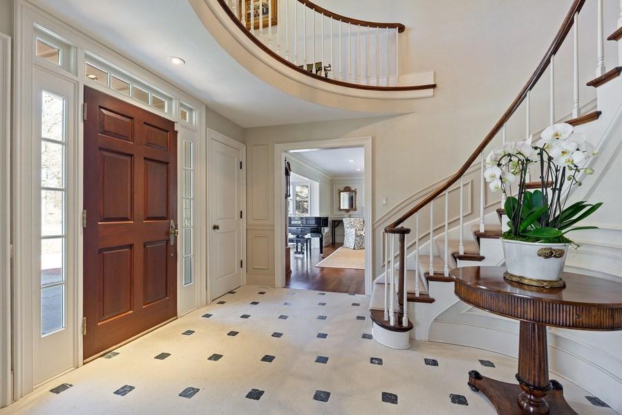Real Estate Photography - 511 Cambridge, Lake Bluff, IL, 60044 - Foyer