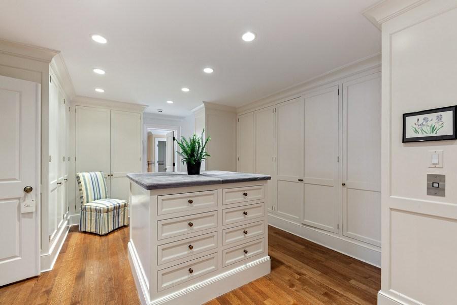 Real Estate Photography - 511 Cambridge, Lake Bluff, IL, 60044 - Master Bedroom Closet