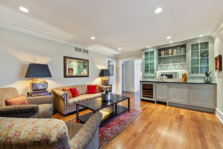 Real Estate Photography - 511 Cambridge, Lake Bluff, IL, 60044 - Den
