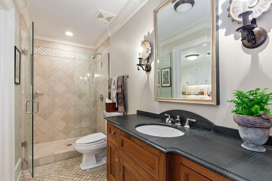 Real Estate Photography - 511 Cambridge, Lake Bluff, IL, 60044 - Bathroom