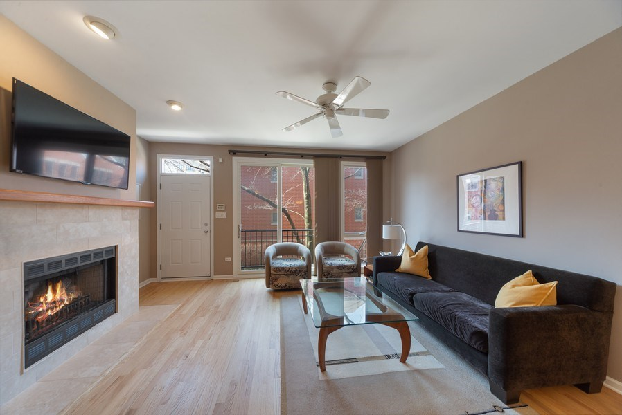 Real Estate Photography - 1522 W. School, #F, Chicago, IL, 60657 - Living Room