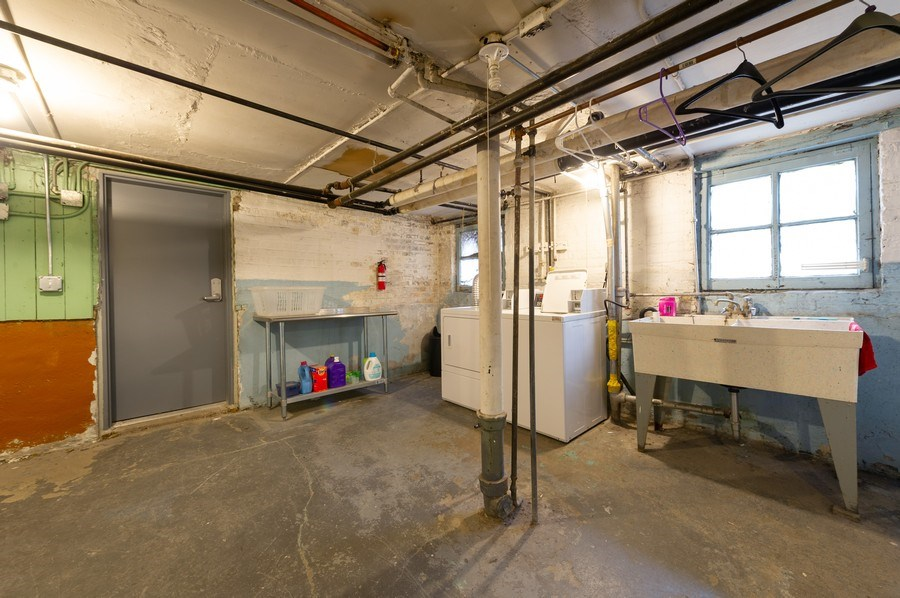 Real Estate Photography - 5024 W Patterson, Chicago, IL, 60641 - Laundry Room