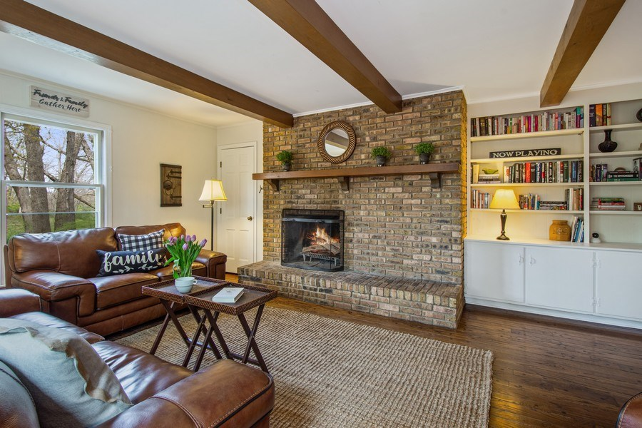 Real Estate Photography - 1 Bellwood Dr, Barrington Hills, IL, 60010 - Family Room