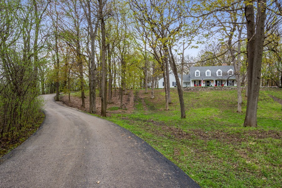 Real Estate Photography - 1 Bellwood Dr, Barrington Hills, IL, 60010 - Front View
