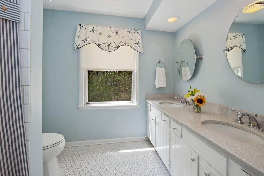 Real Estate Photography - 1 Bellwood Dr, Barrington Hills, IL, 60010 - Hallway Bathroom