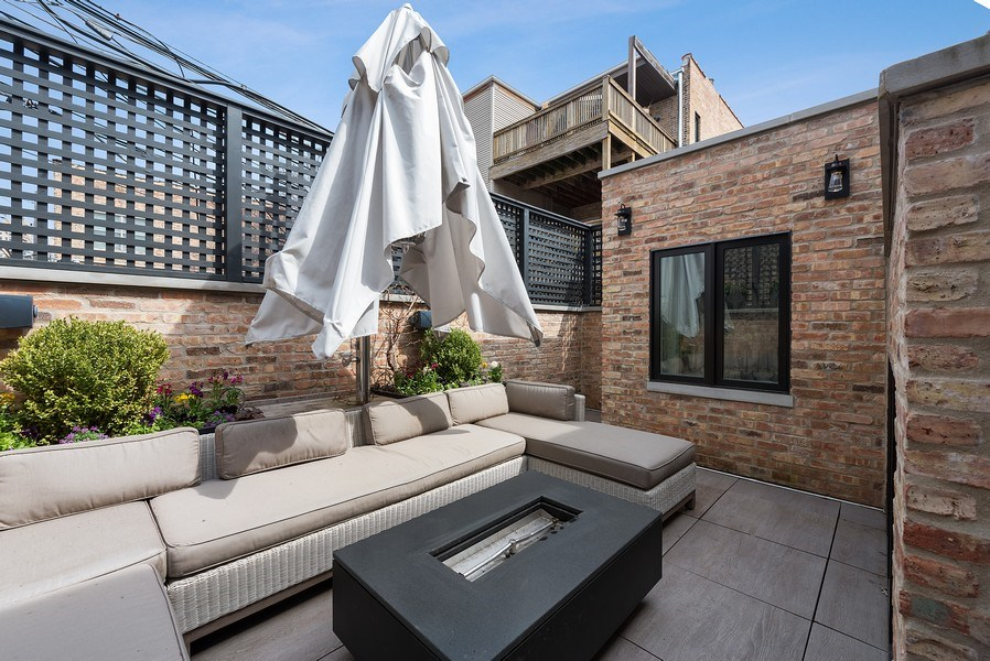 Real Estate Photography - 410 W Webster Ave, Chicago, IL, 60614 - Deck