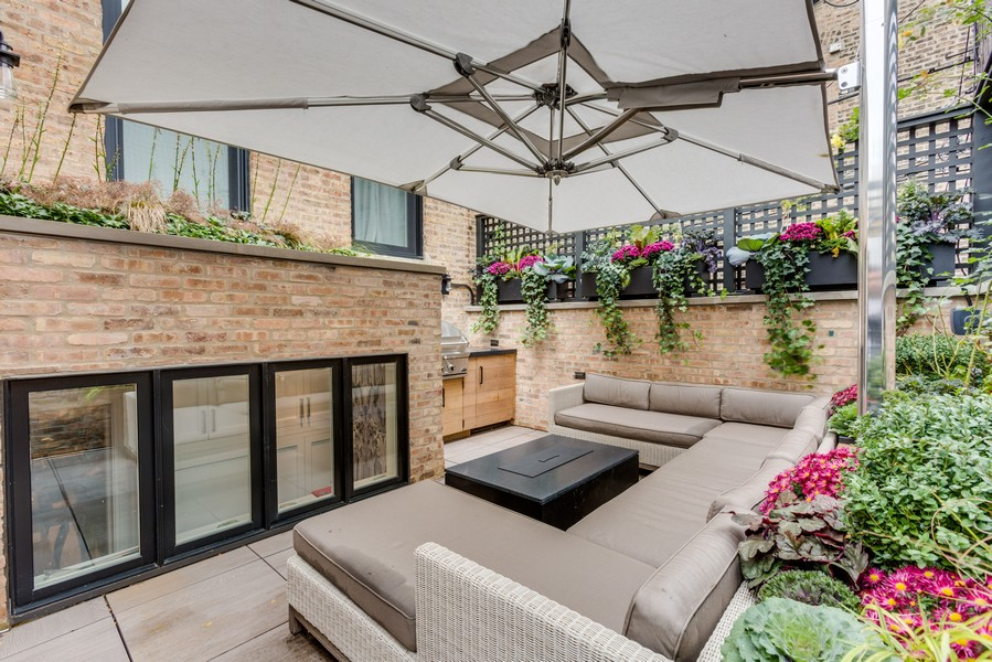 Real Estate Photography - 410 W Webster Ave, Chicago, IL, 60614 -