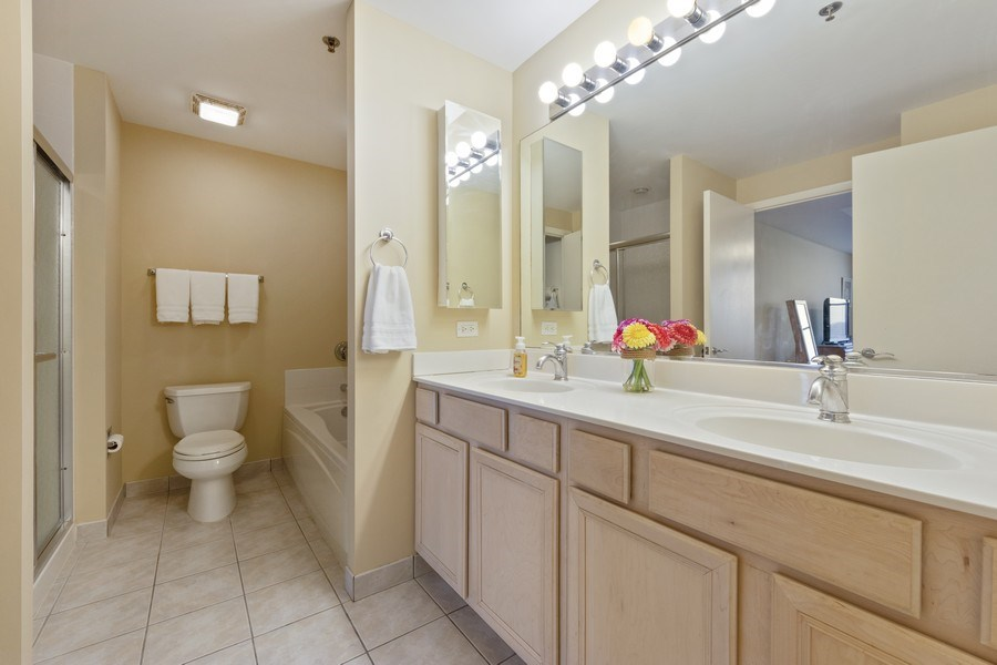 Real Estate Photography - 77 S Evergreen, 806, Arlington Heights, IL, 60005 - Master Bathroom
