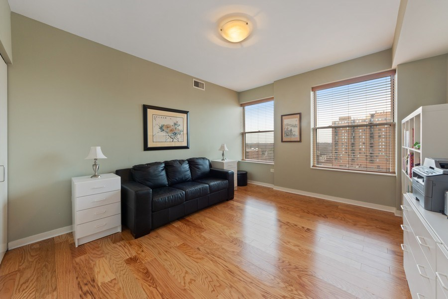 Real Estate Photography - 77 S Evergreen, 806, Arlington Heights, IL, 60005 - 2nd Bedroom