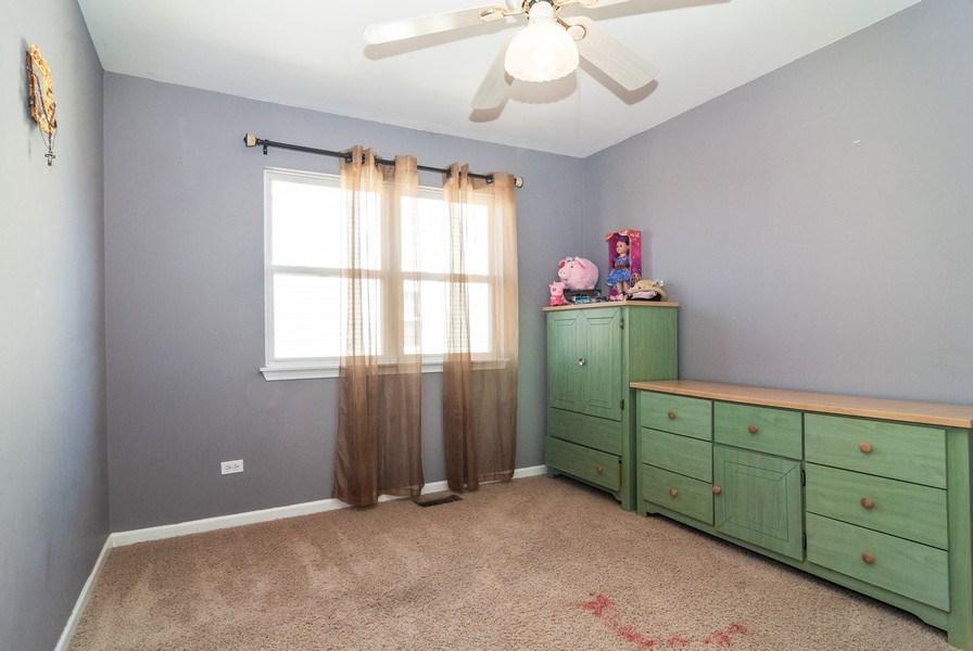 Real Estate Photography - 1454 Ashwood Dr, Elgin, IL, 60123 - 2nd Bedroom