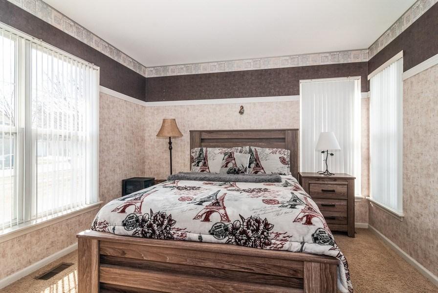 Real Estate Photography - 1454 Ashwood Dr, Elgin, IL, 60123 - Den
