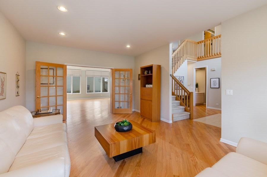 Real Estate Photography - 2026 Sheridan Ct, Buffalo Grove, IL, 60089 - Living Room