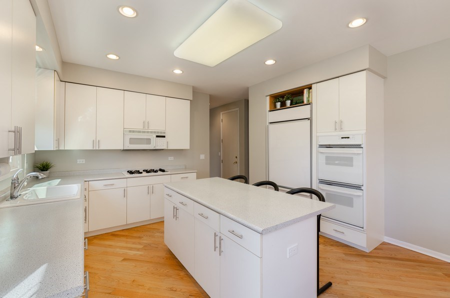 Real Estate Photography - 2026 Sheridan Ct, Buffalo Grove, IL, 60089 - Kitchen