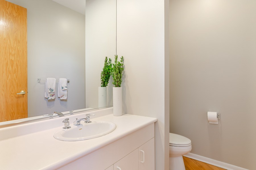 Real Estate Photography - 2026 Sheridan Ct, Buffalo Grove, IL, 60089 - Powder Room