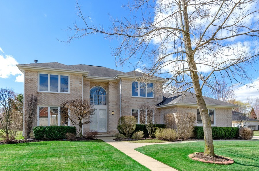 Real Estate Photography - 2026 Sheridan Ct, Buffalo Grove, IL, 60089 - Front View